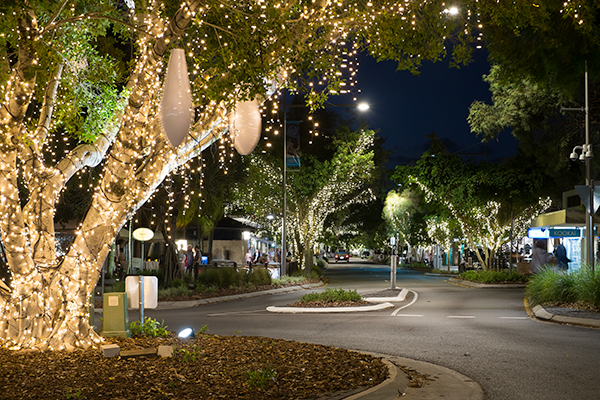 Hastings Street in Noosa by Night | Discover Queensland
