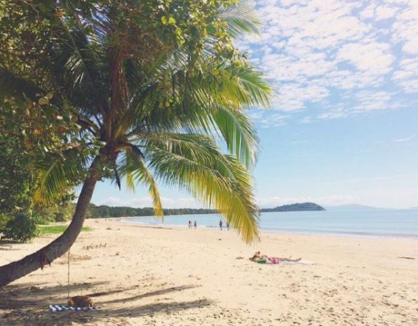 Four Mile Beach by @anne_lieschen via Instagram | Discover Queensland