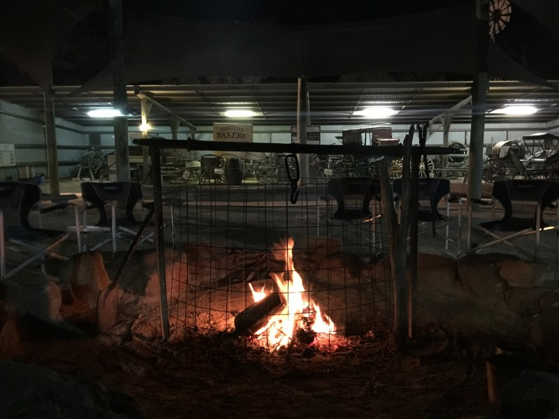 Paradise Country Farm Stay Camp Fire 