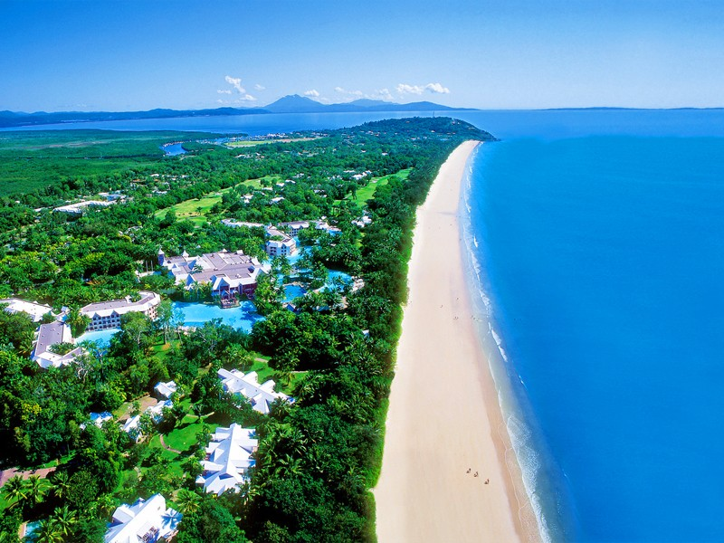 Sheraton Grand Mirage on absolute beachfront of Four Mile Beach, Port Douglas in Tropical North Queensland | Discover Queensland