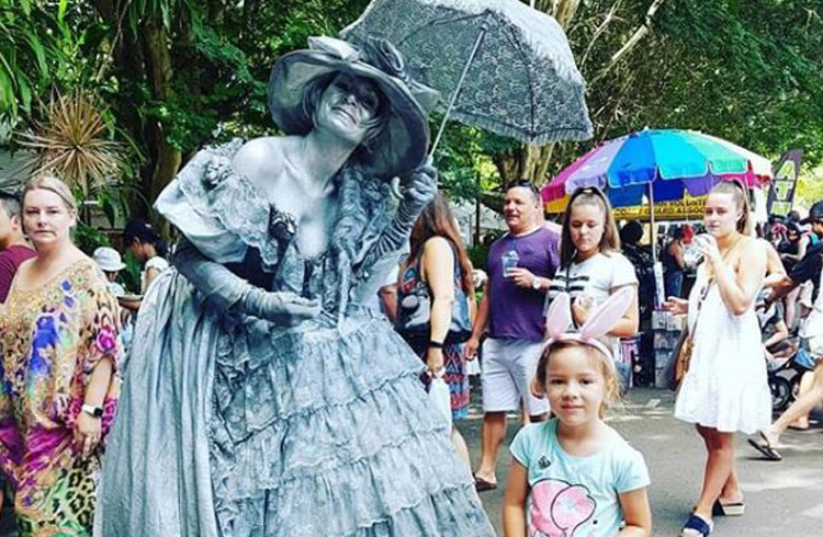 Eumundi Markets on the Sunshine Coast | Best Things to do with Kids on the Sunshine Coast | Discover Queensland