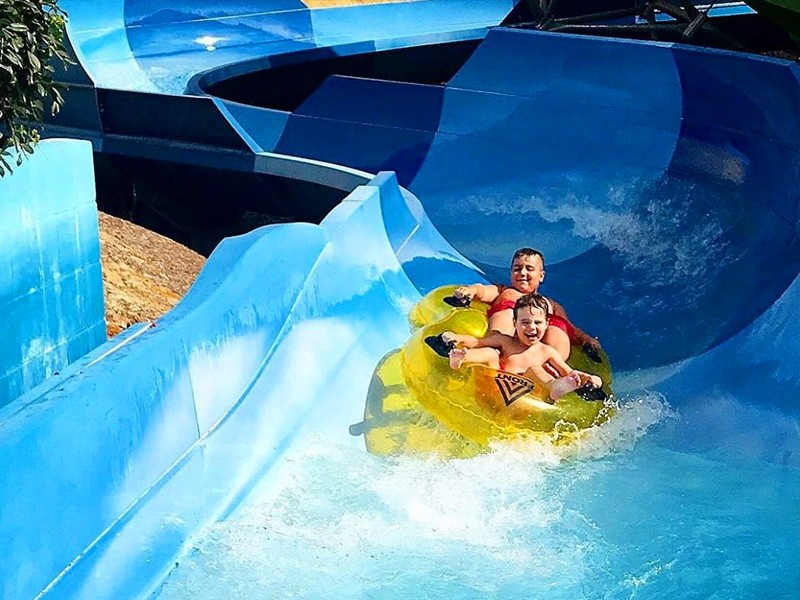 Things to do on a Rainy Gold Coast Family Holiday - Wet 'n' Wild by @snezapolizzi