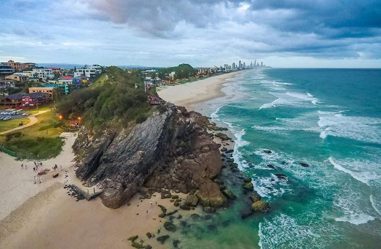 10 Photos That Will Make You Want to Visit Burleigh Heads | Discover Queensland | North Burleigh Heads by @tzerophotography