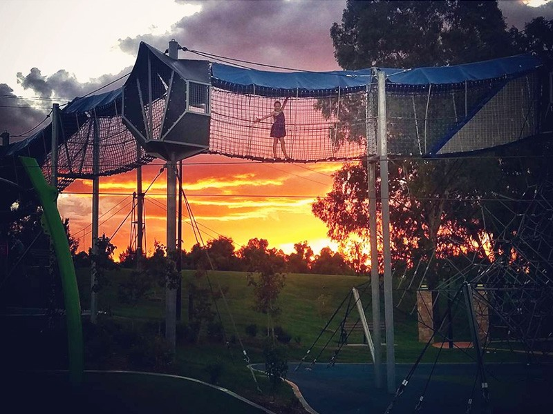 The best family friendly activities in Tamworth - Discover New South Wales - Tamworth Regional Playground - Image by @joannesteadartist
