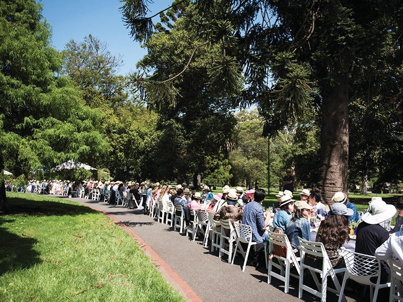 The Worlds Longest Lunch - Melbourne Food and Wine Festival