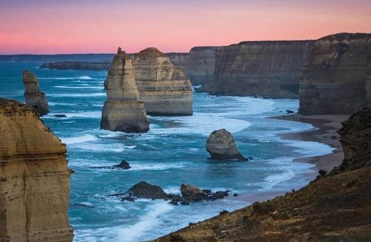 How to do the Great Ocean Road with Kids | The Twelve Apostles | Discover Victoria | Image by  @davesimpson__