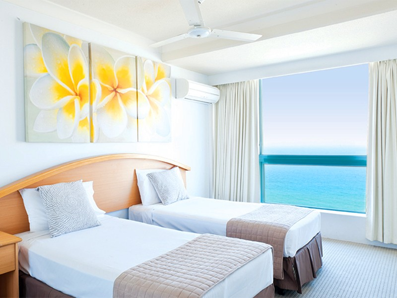 Surfers Paradise Luxury Mantra Crown Towers | Two Bedroom Ocean View Apartment | Discover Queensland