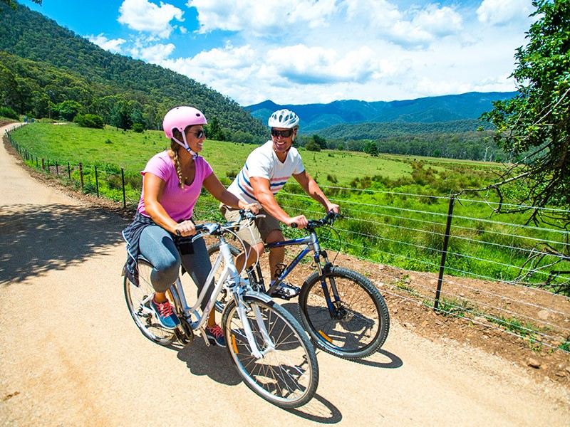 Murray to Mountains Rail Trail | Image via Visit Victoria | The best active holiday activities in the Victorian High Country | Discover Victoria