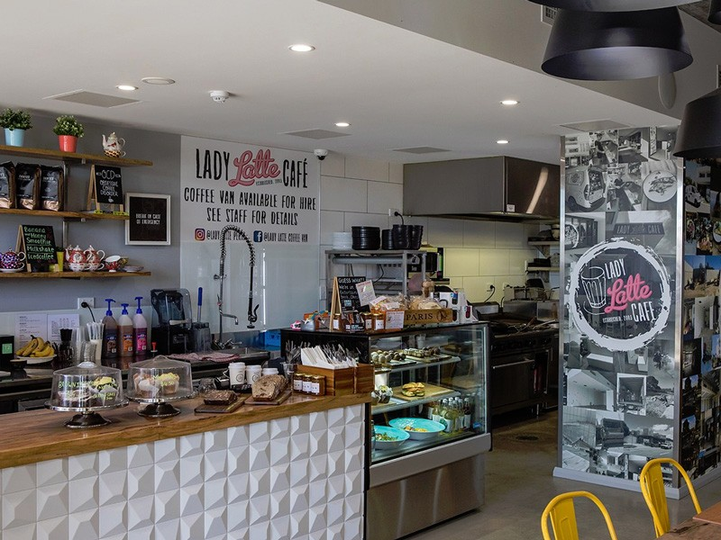 Lady Latte Cafe | Image via ladylatte.com.au | How to Live Like a Local on Holidays in Scarborough | Discover Western Australia