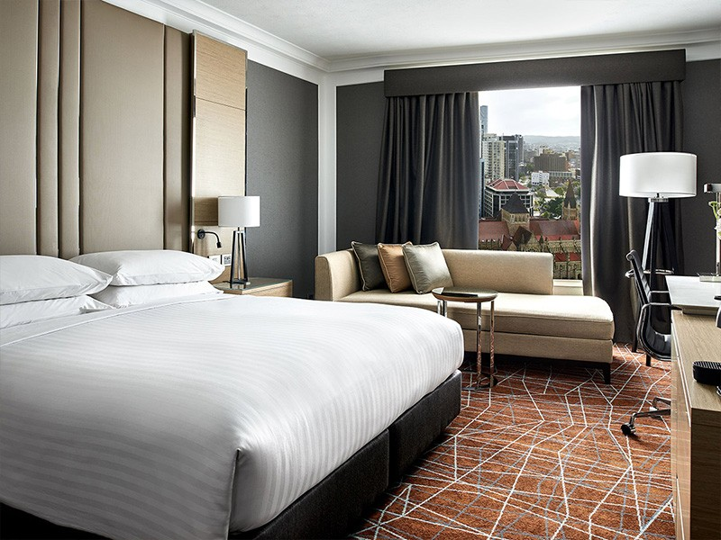 King City View Room in Brisbane Marriott Hotel - Discover Queensland