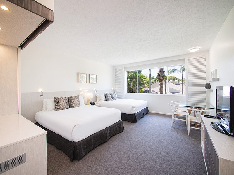 Oaks Oasis Caloundra Executive Family Room - Discover Queensland