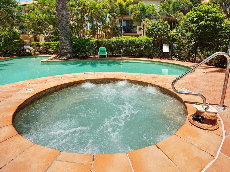 Adults only Spa and Pool | Gold Coast Family Accommodation | Discover Queensland