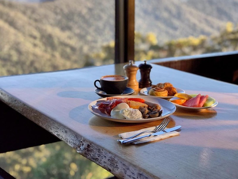 Breakfast with a View | Image by @binnaburralodge via instagram | Things to do at Binna Burra Lodge in the Gold Coast Hinterland | Global Explorer