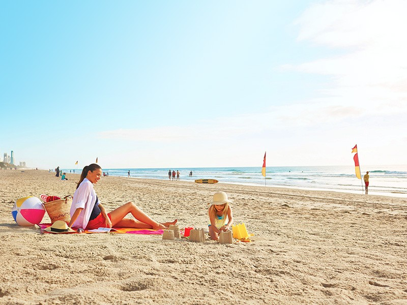 Surfers Paradise Beach | Surfers Paradise Luxury Mantra Crown Towers | Discover Queensland