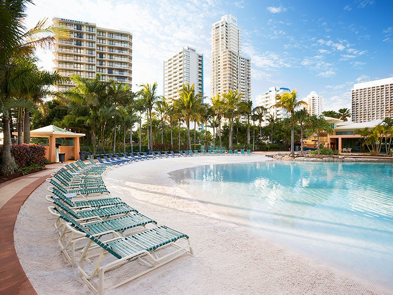 Mantra Crown Towers Swimming Pool | Surfers Paradise Luxury | Discover Queensland