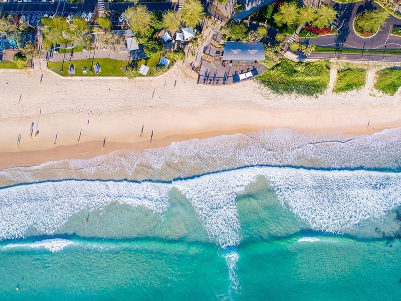 Mooloolaba Beach | Top 5 new Things to do on the Sunny Coast | Image via Instagram by @davewilcockphotography