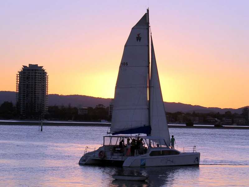 Sailing in Paradise | Romantic Gold Coast Getaway: By the Entertainment Book