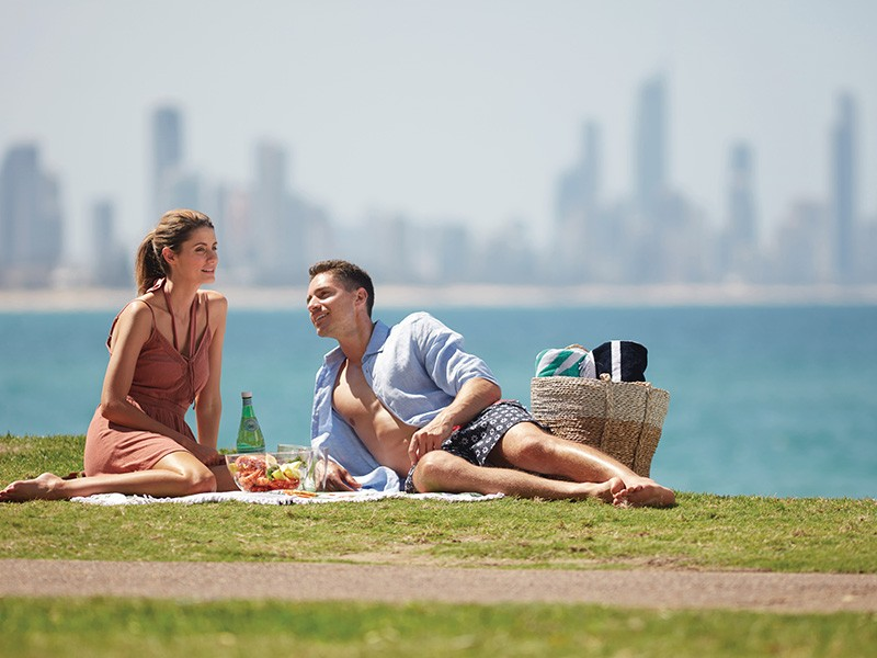 Picnic on Burleigh Hill | Your 4 Day Romantic Gold Coast Itinerary