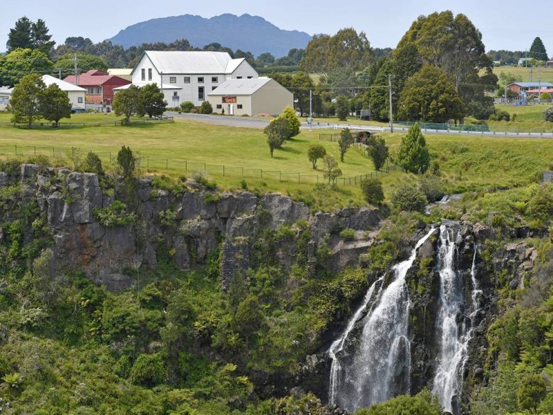Waratah Falls | Australia's Best Kept Travel Secrets Uncovered | Hightide Holidays