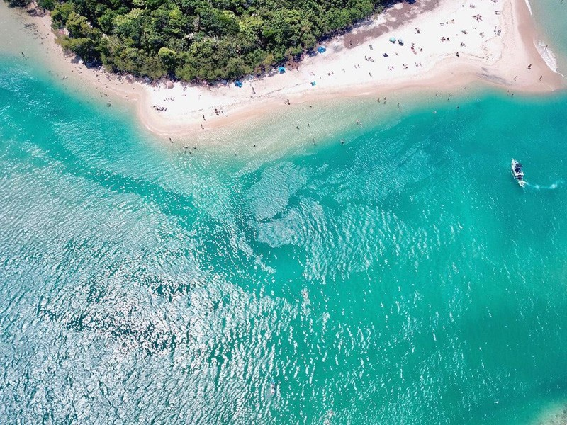 Tallebudgera Beach | Image by @craig__obrien via instagram | Queensland Swimming Holes to dive into: Secret Spots & Old Faithfuls