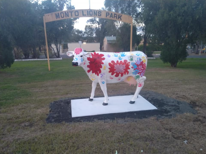 Monto Art Trail - Lions Park Cow Painted by Monto Church Group | Things to do in Monto: The Silo Art Trail | Discover Queensland