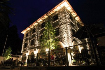 Pig And Whistle Building Queenstown - Queenstown Holidays