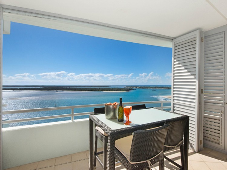 Waterview Apartment balcony