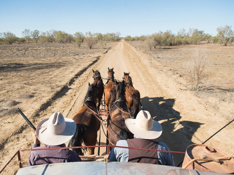 Cobb and Co Stagecoach |  | Outback QLD - Escorted Tour DQ
