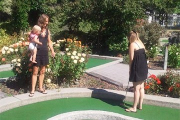 Queenstown Mini Golf - Family Day Out in Queenstown - Queenstown Holidays